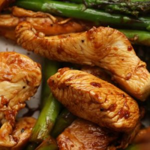 Lemon Chicken and Asparagus Stir Fry (Under 500 Calories)